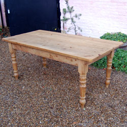 Charmant Vintage Pine Kitchen Table 6ft By 3ft